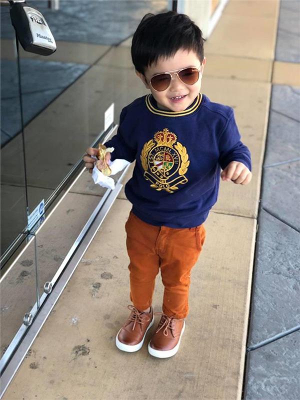 """moi 2 tuoi, con trai dan truong da day quan ao hang hieu, xung danh """"rich kid"""" - 2"""