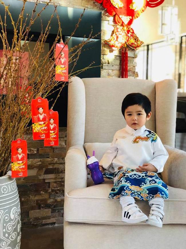 """moi 2 tuoi, con trai dan truong da day quan ao hang hieu, xung danh """"rich kid"""" - 4"""
