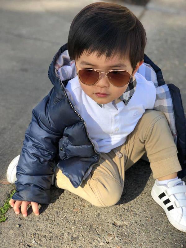 """moi 2 tuoi, con trai dan truong da day quan ao hang hieu, xung danh """"rich kid"""" - 5"""