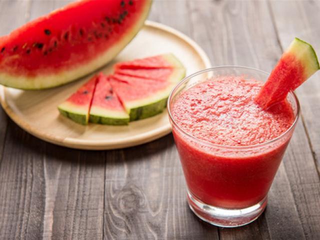 12 tác dụng của sinh tố dưa hấu với sức khỏe và giảm cân