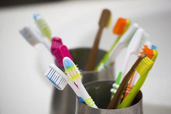 Những thứ trong nhà tắm bẩn hơn bồn cầu, số 2 ngày nào cũng cho vào miệng - 3