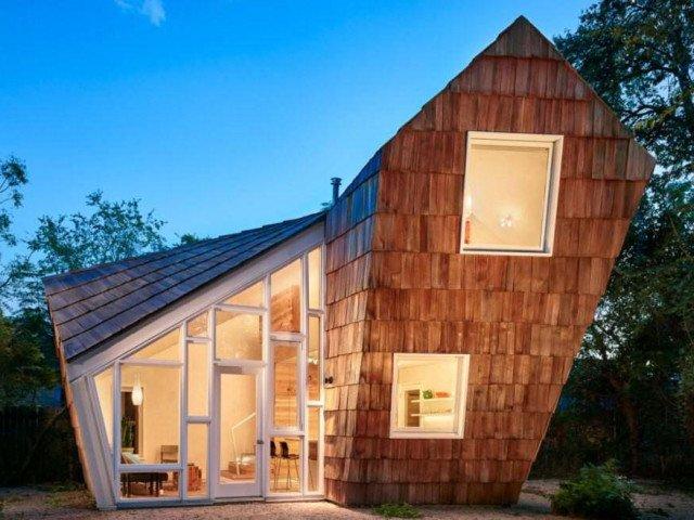 Ngôi nhà tổ ong nghiêng như sắp đổ vẫn đẹp long lanh