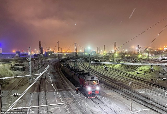 Thành phố tăm tối nhất hành tinh: 40 ngày không có mặt trời, dân số đang giảm vì quá lạnh