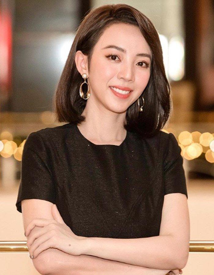 Ngày càng xinh đẹp, Hoa hậu làng hài Thu Trang cũng không tránh khỏi dấu hiệu của tuổi già
