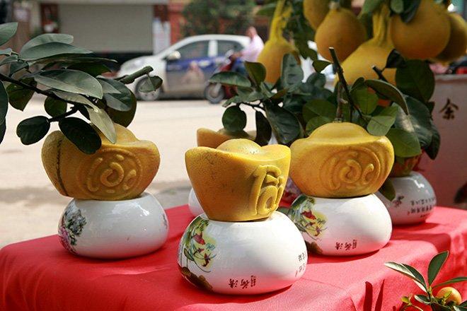 4 qua la hinh thoi vang in chu tai– loc hut khach dip tet, dat nhat la loai thu 3 - 1