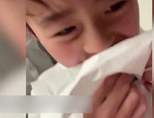 truong ba chi khoe video can canh dung tay khong nho rang cho con trai - 2