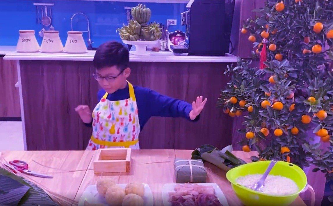 """shark hung day con trai goi banh chung, cu cau dang yeu """"gay sot"""" - 12"""