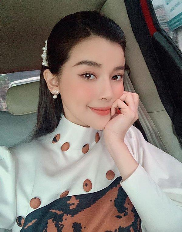 Đanh đá trên phim nhưng ngoài đời, Cao Thái Hà lại trẻ đẹp, dịu dàng hết phần thiên hạ