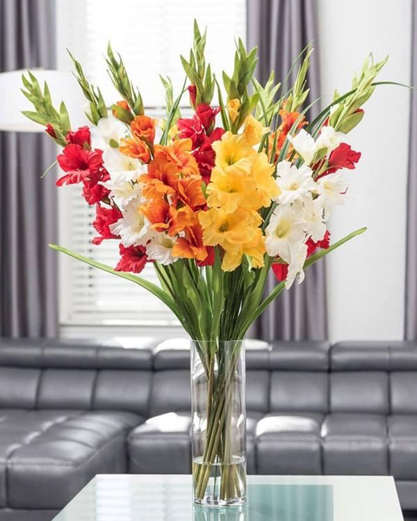 Cách cắm hoa lay ơn để bàn thờ đẹp và tươi lâu ngày Tết - 11