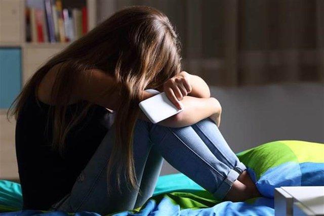 Con gái quyết không tới chúc Tết ông nội, bố mẹ phát hiện sự thật khủng khiếp