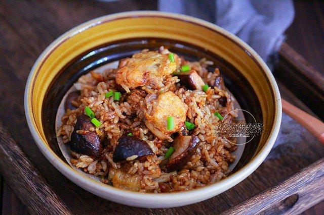 Đổ cả gà lẫn gạo vào nồi cơm điện, sáng ra có món ngon thần thánh, cả nhà tấm tắc - 1