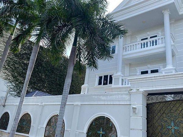 Dọn về ở với đại gia Phượng Chanel, đây là căn nhà nơi Quách Ngọc Ngoan đang sống - 3