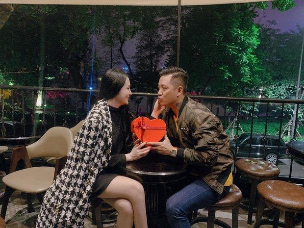 "valentine cua sao viet: chong thu minh ""chiu chi"" nhung tuan hung, dang khoi lang man hon - 4"