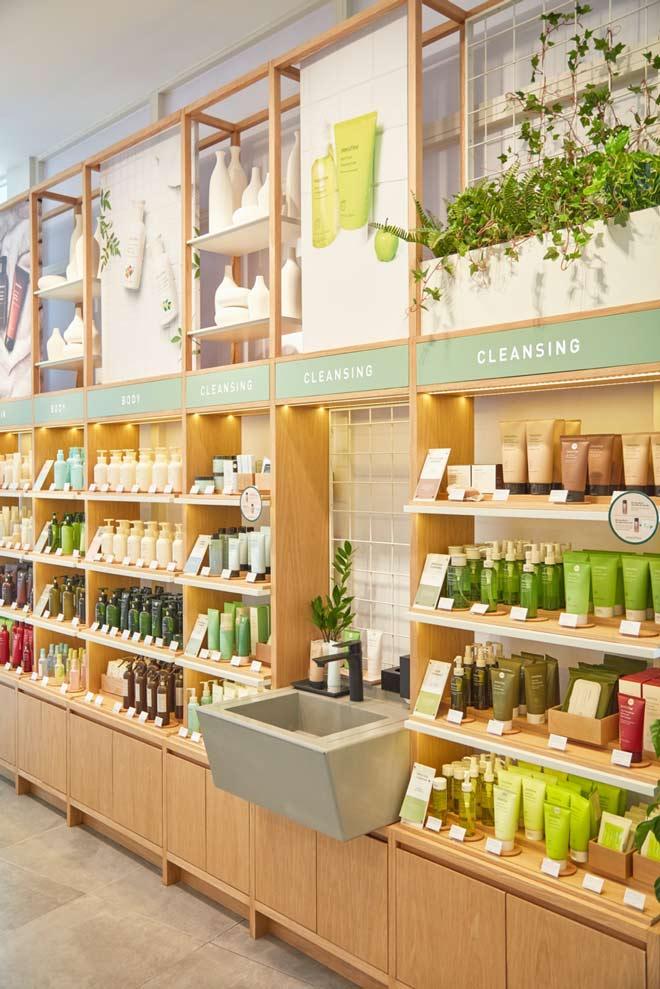 Innisfree khai trương cửa hàng đầu tiên tại Đà Nẵng, các tín đồ làm đẹp có thêm điểm check in mới - 3