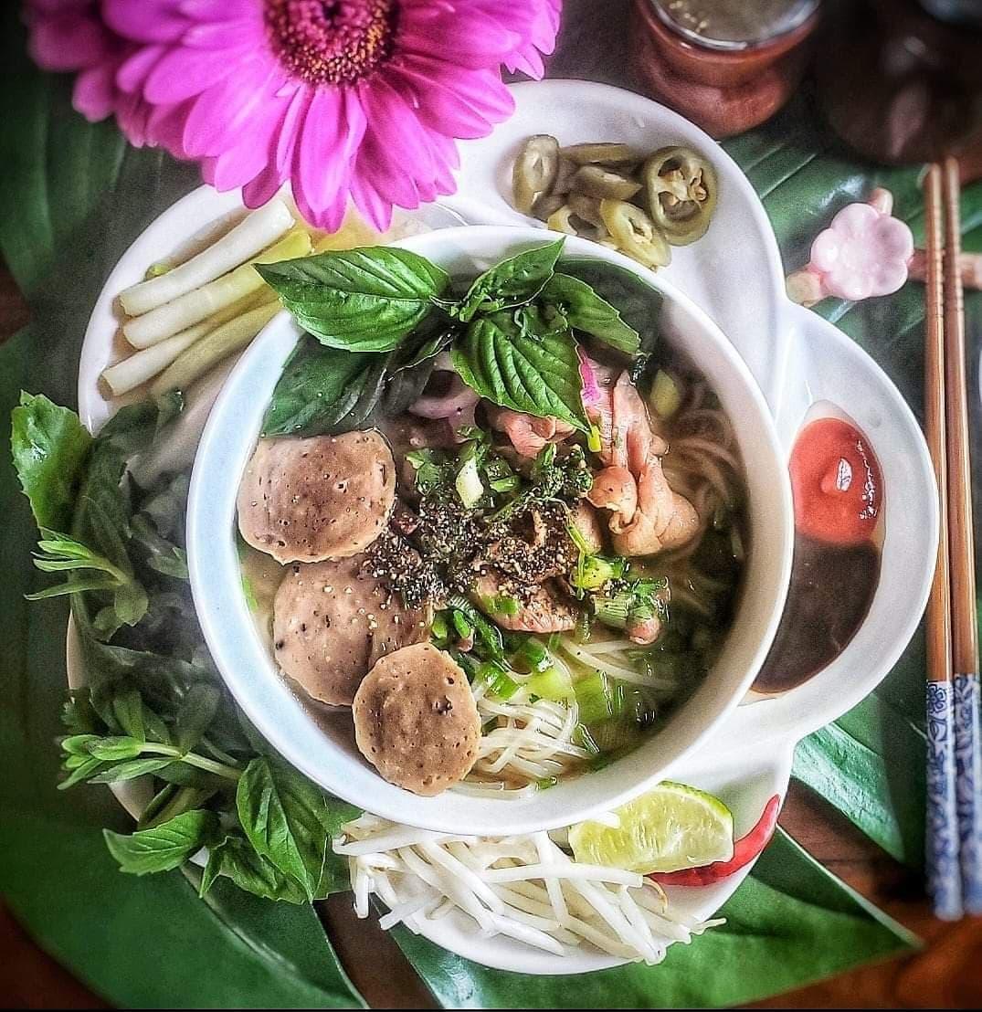 """nau canh bau don gian, me viet o my lam chi em thot len """"co can dep vay khong?"""" - 10"""