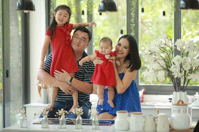 So đường tình các hoa hậu Việt: Ai cũng chồng giàu, bạn trai Phạm Hương là CEO bên Mỹ