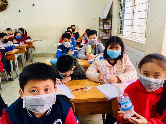COVID-19 ngày 29/2: Bộ Y tế ra văn bản khẩn, TP.HCM cho HS nghỉ học đến 15/3