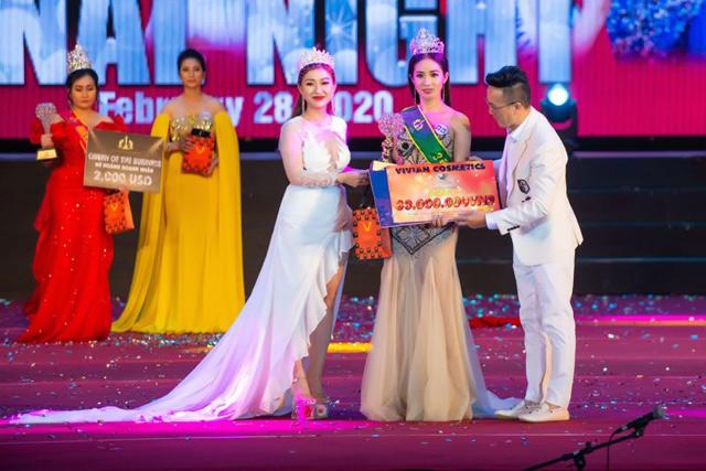 doanh nhan boi ngoc tro thanh hoa hau nhan ai ms world community business 2020 - 6