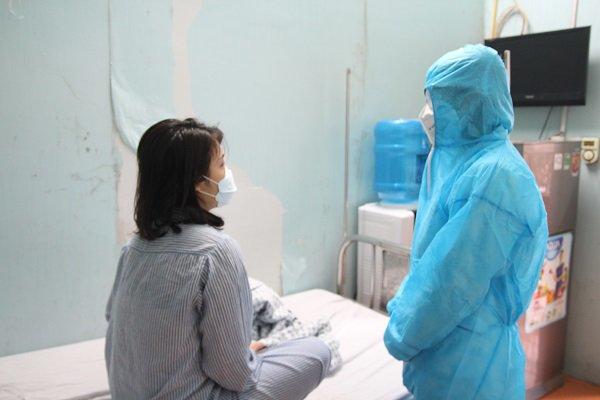 Sức khỏe của 23 ca nhiễm COVID-19 mới ở Việt Nam: Có bệnh nhân phải thở ô xy, viêm phổi