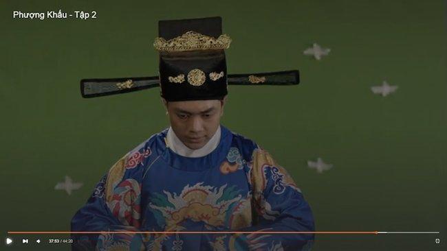 """phuong khau: hoa hau khanh van lam """"trum cuoi"""", khan gia ngo ngang vua lay tay lam vo? - 4"""