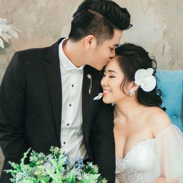 sao viet ly hon lay chong tre: 2 nguoi thi phi, le phuong hanh phuc don con len song cung - 4