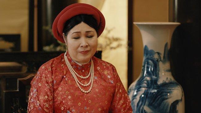 """phuong khau: hoa hau khanh van lam """"trum cuoi"""", khan gia ngo ngang vua lay tay lam vo? - 5"""