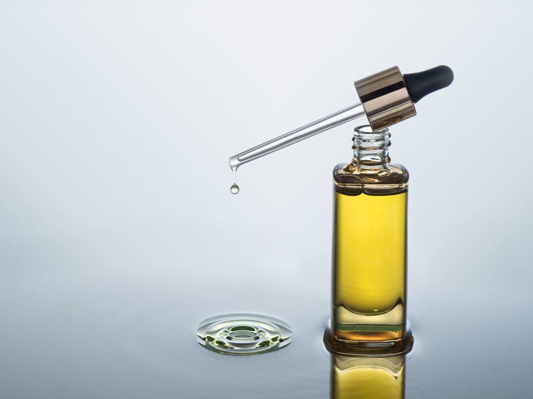 Dầu dưỡng da: siêu sao chống lão hóa, trị mụn kiêm dưỡng ẩm chị em chờ gì không dùng ngay - 3