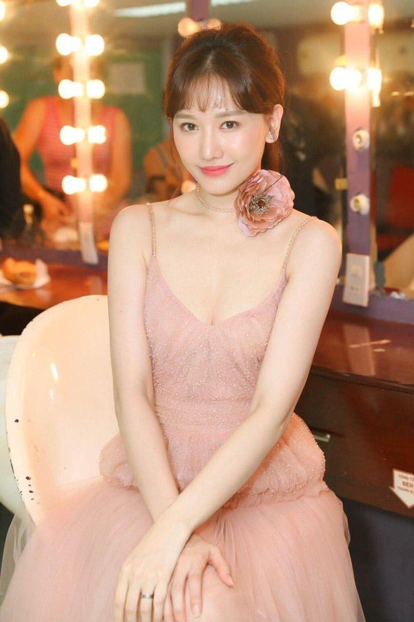kheo leo nhu hari won, bien xe hop thanh hair salon de lam toc di dien - 8