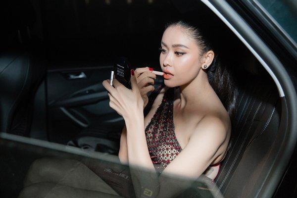 kheo leo nhu hari won, bien xe hop thanh hair salon de lam toc di dien - 18