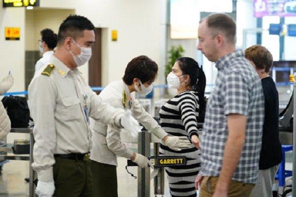 Thêm 7 ca nhiễm COVID-19 nâng tổng số lên 148, Bộ Y tế khuyến cáo hạn chế ra đường