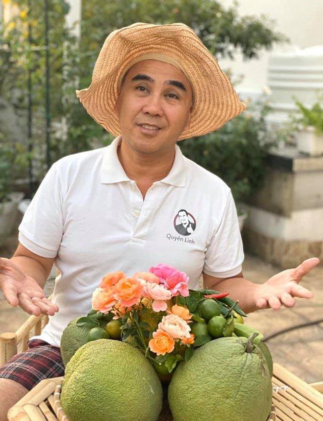 o nha tranh dich, quyen linh cung vo con len san thuong go khoai lang, thu hoach hoa trai - 1