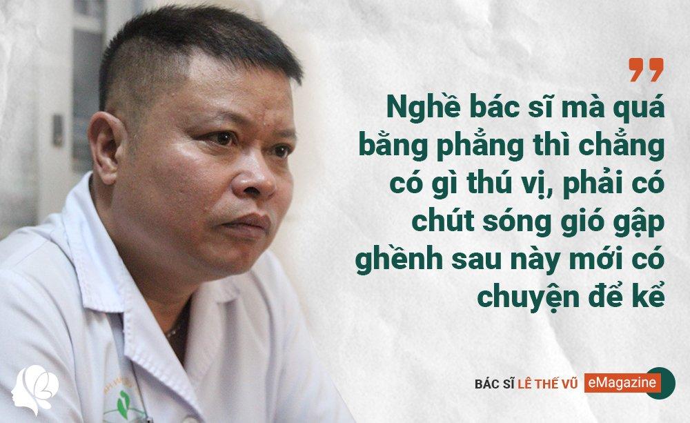 bac si mac ao mua, deo 3 lop gang tay mo don con cho nhung thai phu dac biet - 8