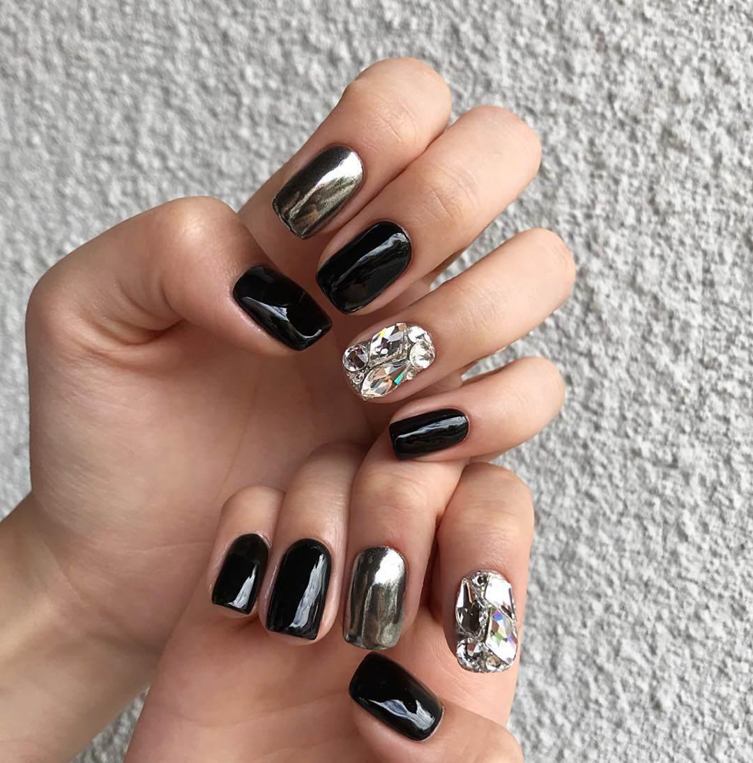 Năm 2021 đến rồi, mẫu nail màu đen ngỡ đơn giản cũng có trăm kiểu cho nàng thử quanh năm - 8