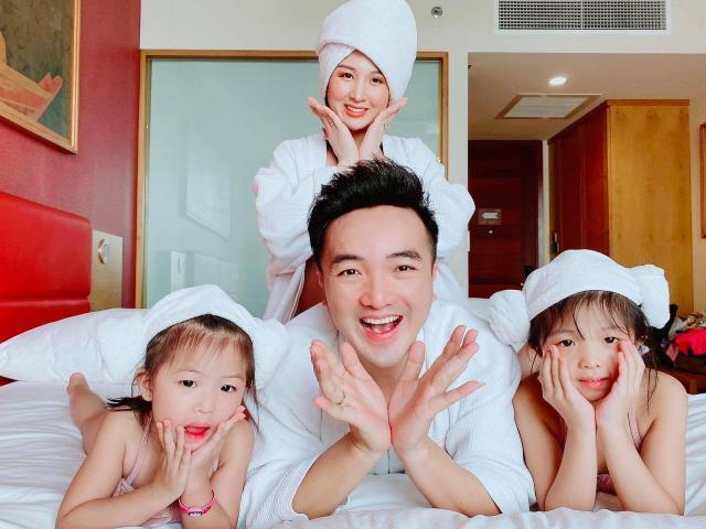 Dương Ngọc Thái sung sướng làm bố lần 3, con gái hỏi mẹ: Có Cục vàng, tụi con là gì?