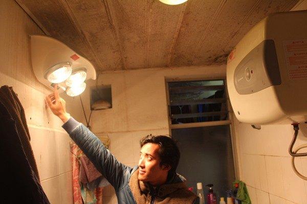 Dùng đèn sưởi nhà tắm ngày rét đậm đừng chủ quan kẻo lấy mạng cả nhà - 3
