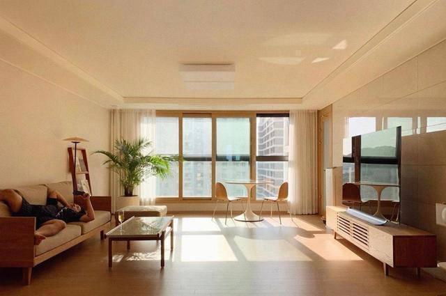 Ngôi nhà sạch tinh tươm, không tì vết của vợ chồng người Hàn Quốc - 4