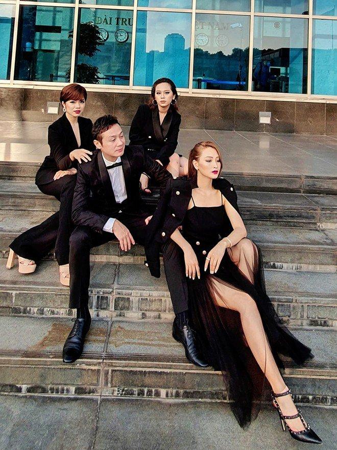 MC Anh Tuấn đăng ảnh 8 năm cưới vợ amp;#34;Hoa hậuamp;#34;, được nhận xét: Cả 2 đều không già đi! - 5