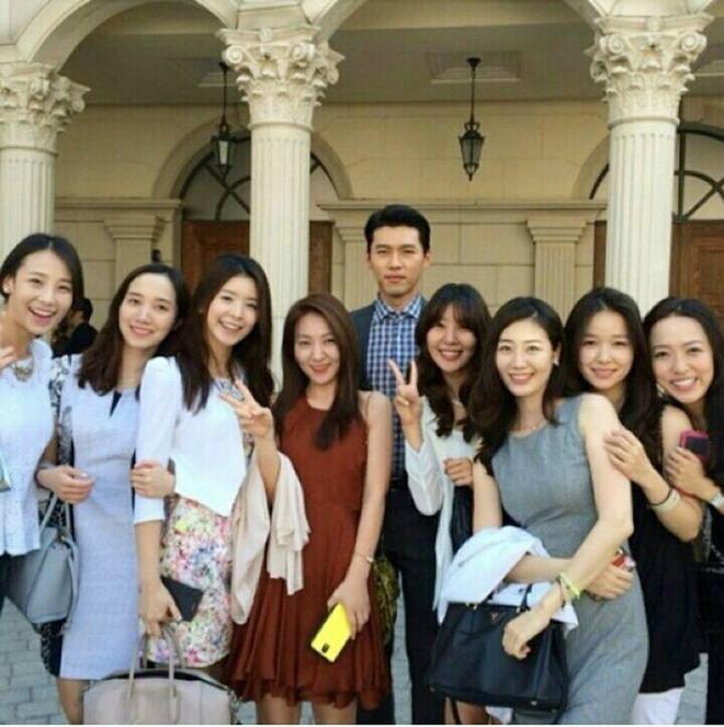 Hyun Bin đi ăn cưới: Lấn át cả cô dâu chú rể, fan tò mò ngày anh làm chú rể - 3