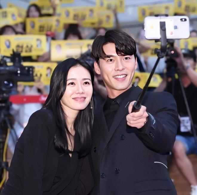Hyun Bin đi ăn cưới: Lấn át cả cô dâu chú rể, fan tò mò ngày anh làm chú rể - 7