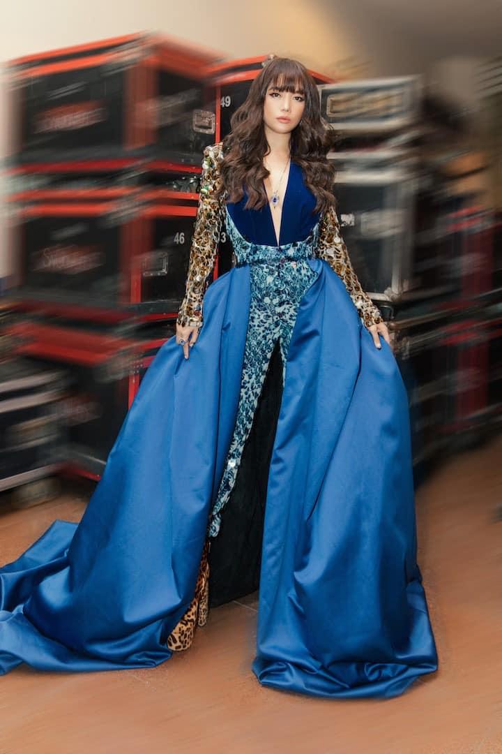 Style amp;#34;chặt chémamp;#34; đôi lúc lận đận, tình cũ Kim Lý U50 đổi váy công chúa đẹp như nữ thần - 3