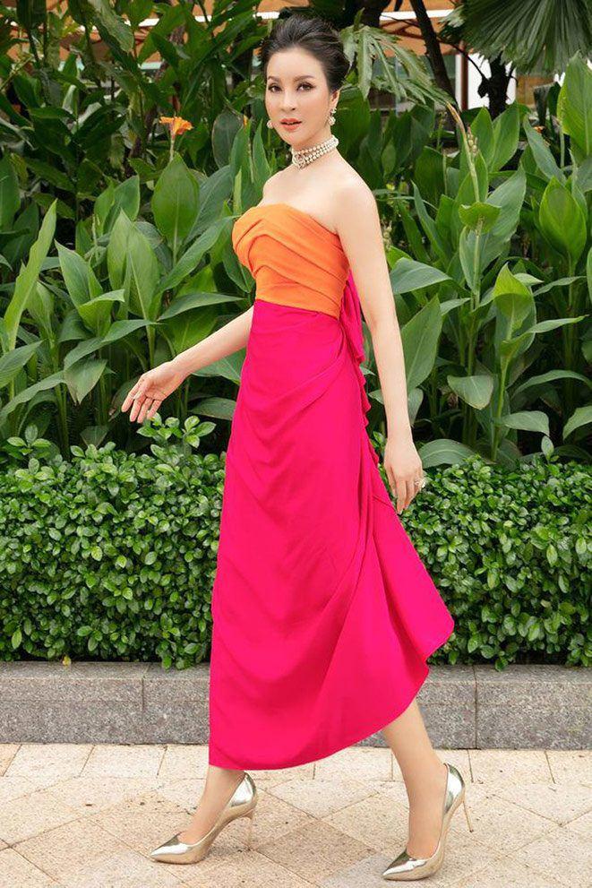 Style amp;#34;chặt chémamp;#34; đôi lúc lận đận, tình cũ Kim Lý U50 đổi váy công chúa đẹp như nữ thần - 11