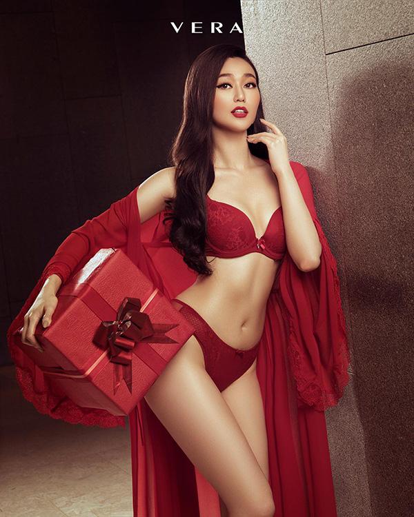 """Chi Pu, Mâu Thủy, Khánh My """"nóng bỏng"""" trong bộ ảnh VERA - Nữ thần quyến rũ - 4"""