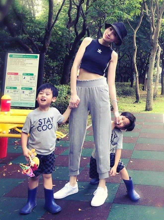 Không lộ mặt con trai, Lâm Chí Dĩnh chỉ ra lý do có liên quan đến chính cậu bé - 5