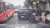 Tài xế VinFast LUX SA2.0 hành hung thanh niên đi xe máy do mâu thuẫn
