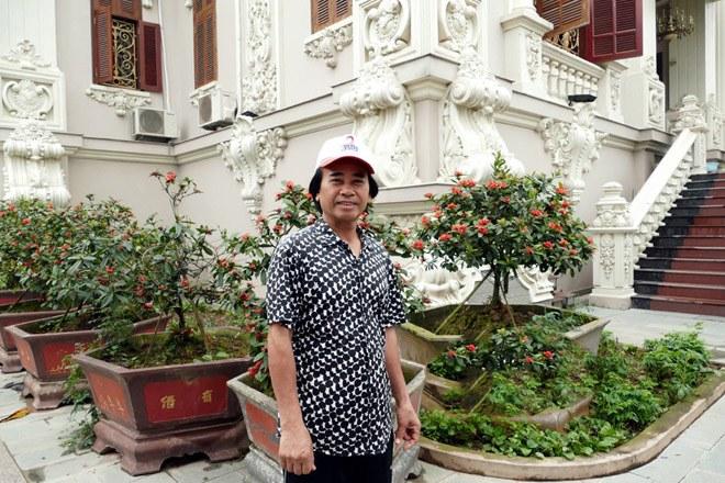 Đại gia Việt sở hữu tòa lâu đài 50 tỷ, tặng con dâu 100 cây vàng khiến CĐM choáng váng - 1