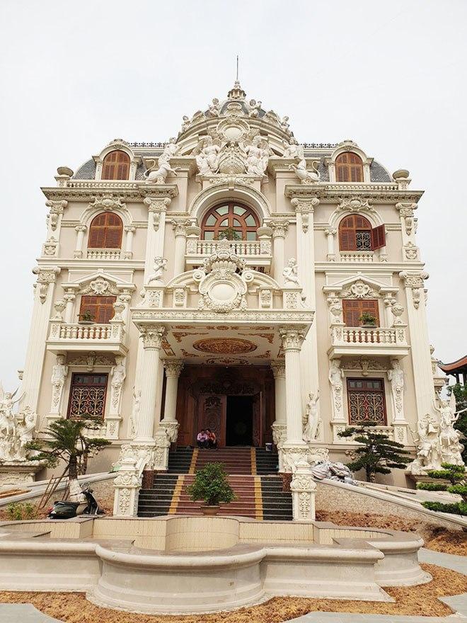 Đại gia Việt sở hữu tòa lâu đài 50 tỷ, tặng con dâu 100 cây vàng khiến CĐM choáng váng - 3