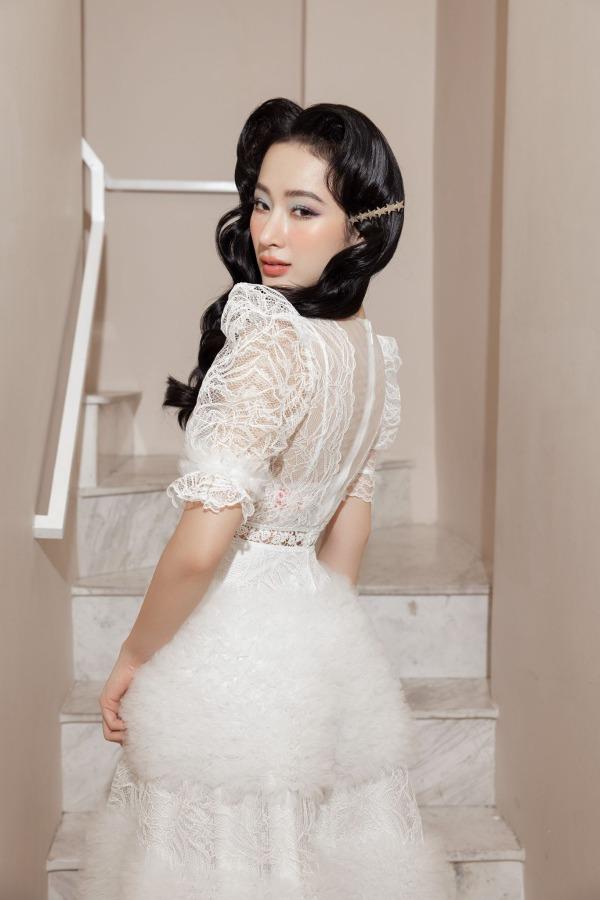 Angela Phương Trinh mặc đầm không gỡ nhãn mác - 1