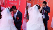 Chú rể bật khóc nức nở vì không ai dự đám cưới, hành động của cô dâu được khen ngợi