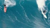 Sửng sốt với cảnh lướt ngọn sóng cao 12 mét ở Hawaii