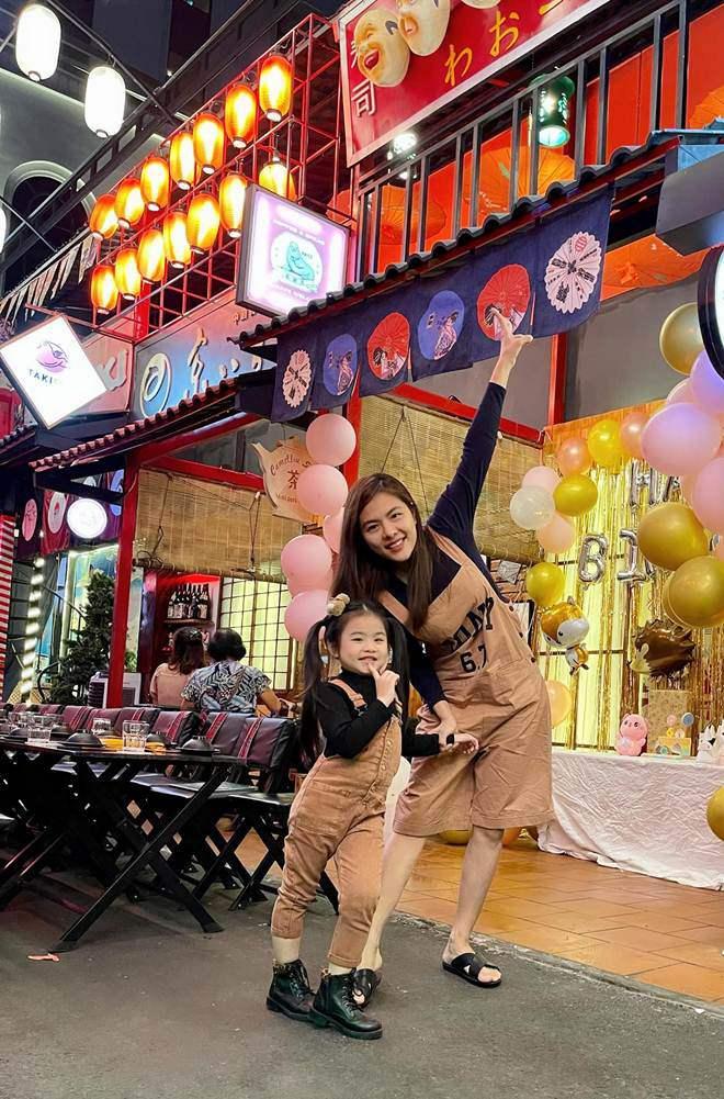 Nữ DV yêu thiếu gia Việt kiều Úc sau 3 ngày gặp, giờ cuộc sống bỉm sữa thật ngưỡng mộ - 4